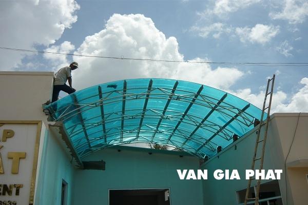 Tấm nhựa cho mái nhà lấy sáng